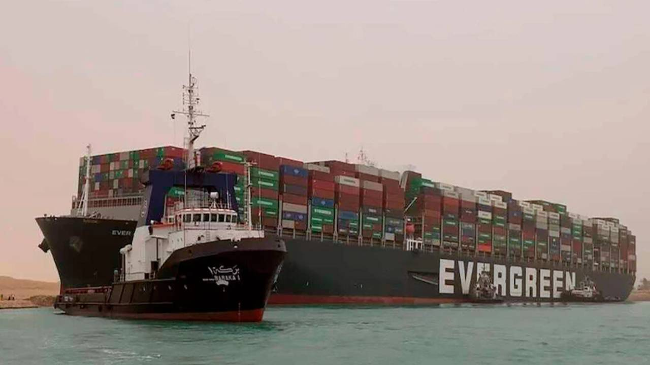 Evergreen ship stuck in the Suez Canal