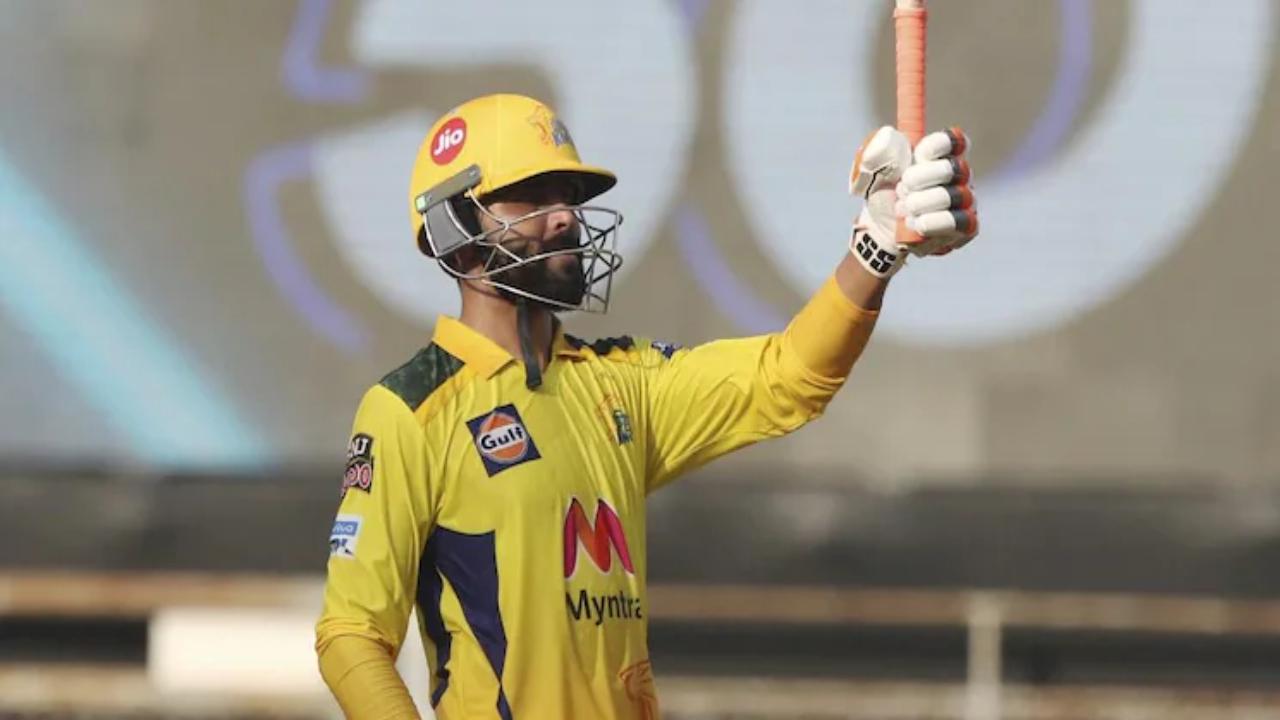 Jadeja scored 37 runs in the last over