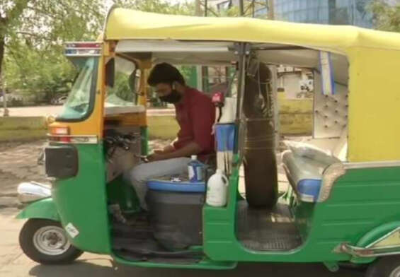 Auto driver turns his auto into an ambulance for corona patients ..!