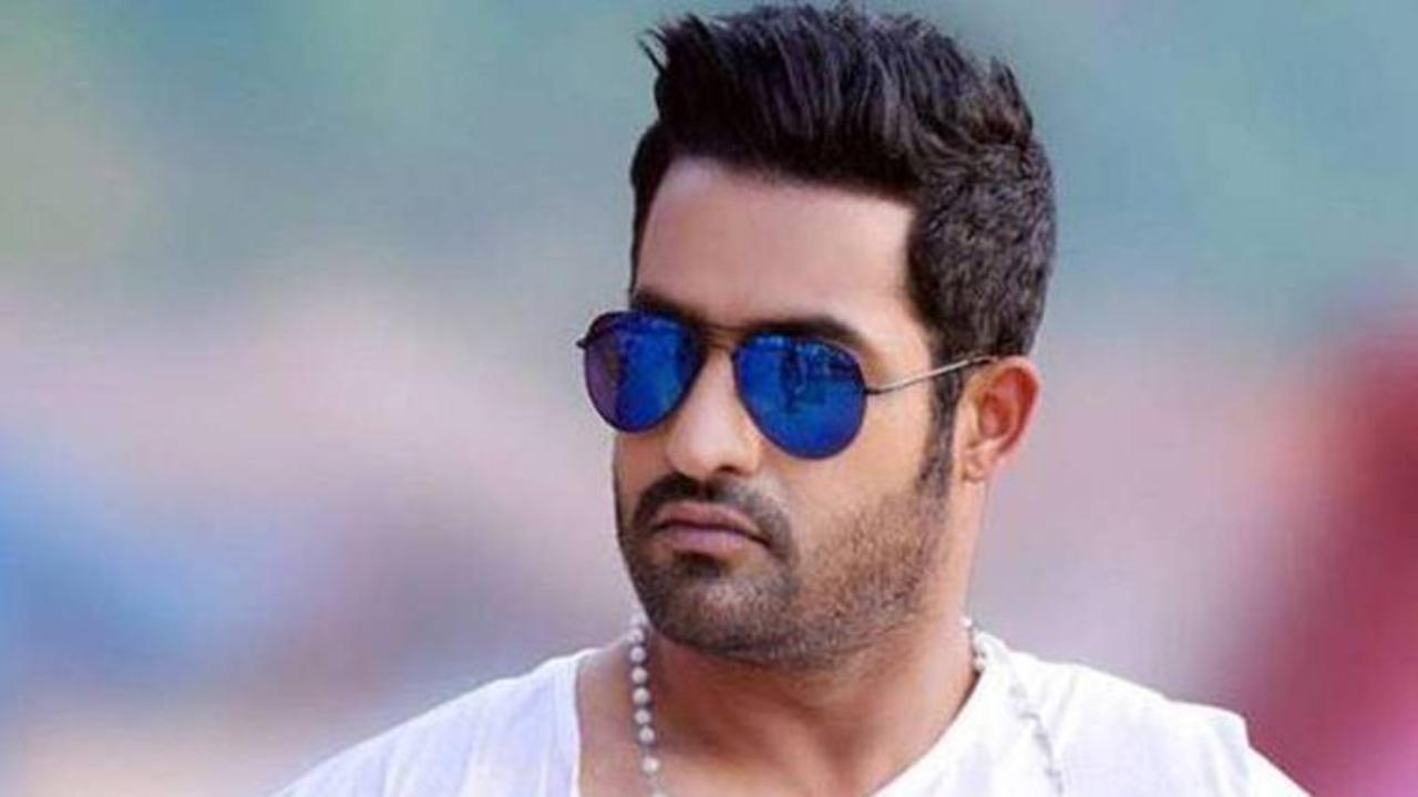 "Sudhir Babu: ""Sridevi Soda Center"" Movie Teaser ..!"
