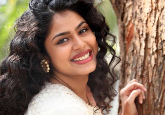 Jati Ratnas movie heroine paired with Vishnu Manchu
